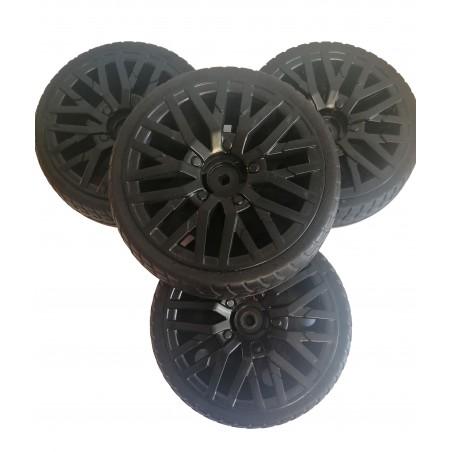 4 ruedas de goma eva Audi r8 little